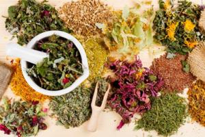 В состав капель Кристалл входят травы и витамины