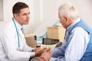 Регулярно обследуйтесь у врача, если у вас повышенное давление